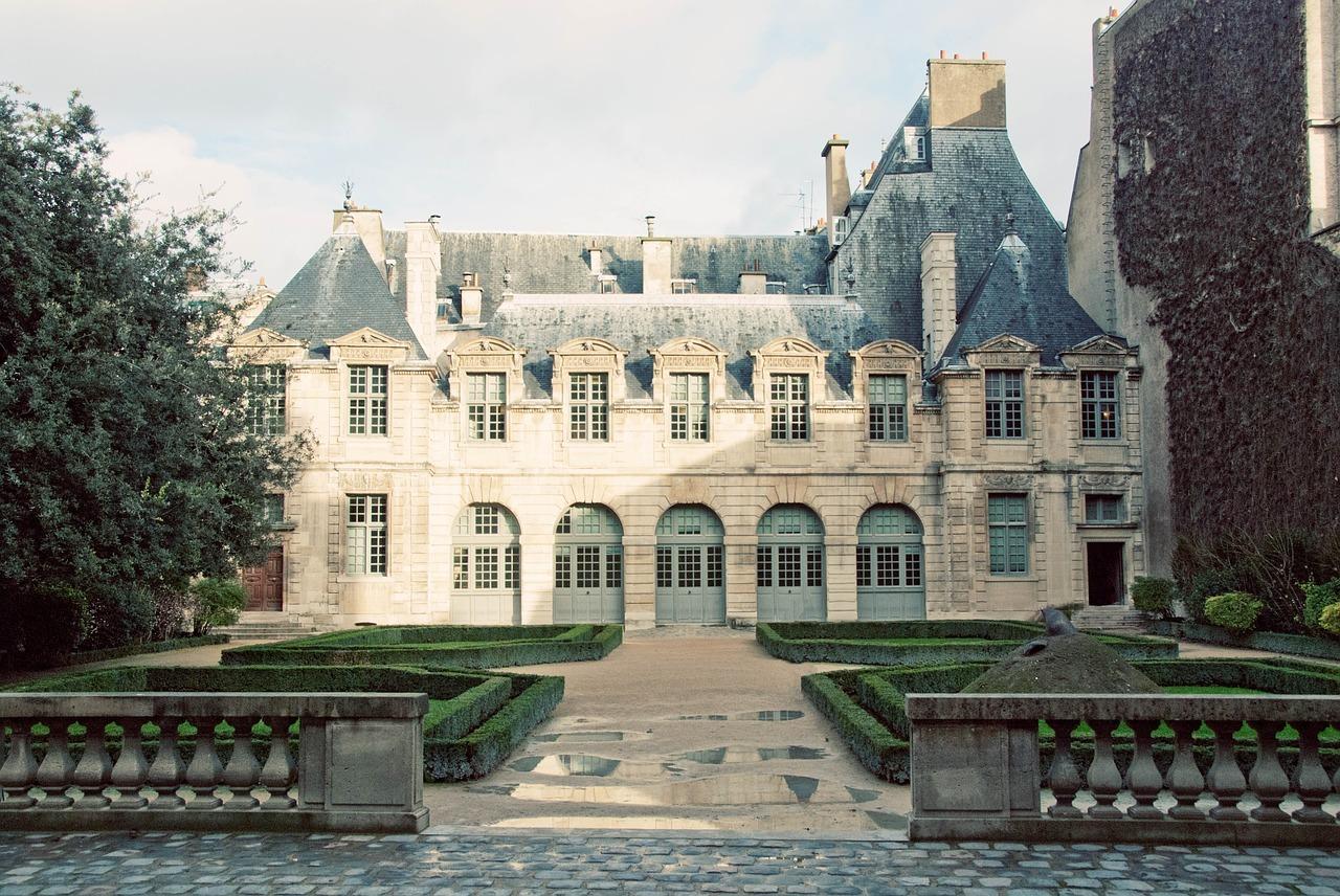 le-marche-immobilier-a-neauphle-le-chateau